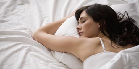 De ce nu e bine să faci baie înainte de culcare! Trebuie să renunți urgent la acest obicei! Motivul?