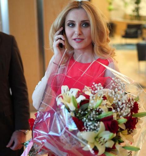 """Alina Sorescu, secretul unei relații reușite. """"Fata cuminte"""" a muzicii românești s-a transformat într-o doamnă și o mamă de nota 10*"""