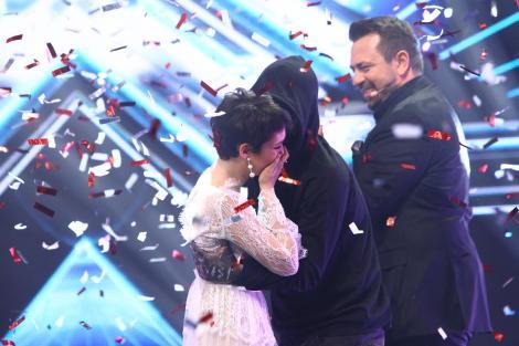 """O poză, cât o mie de cuvinte. Olga Verbițchi și Carla's Dreams, imaginea care i-a înduioșat pe fani: """"Nu mai găsești suflet asa bun și pur în concursuri!"""""""