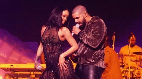Rihanna o să fie furioasă dacă află asta! Drake a părăsit-o pentru o divă și mai și! Nu ghicești despre cine este vorba!