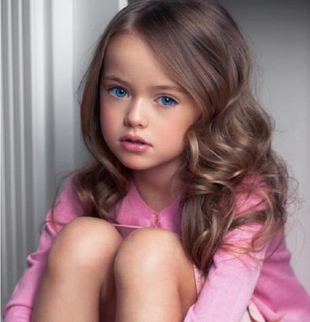 Sigur îţi aduci aminte de cea mai frumoasă fetiţă din lume! Cum arată acum Kristina Pimenova
