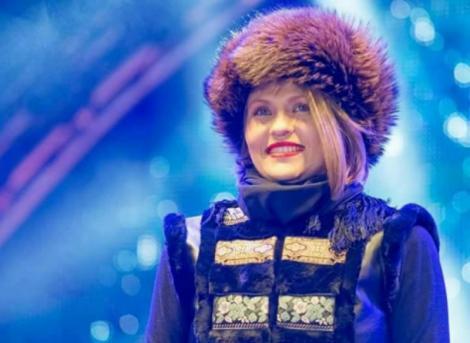 """Mirela Boureanu Vaida a cântat la Târgul de Crăciun în duet cu un mare artist român! """"Săracă inima mea"""", cea mai frumoasă interpretare! VIDEO"""