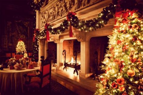 Cele mai frumoase colinde românești pentru seara magică de Crăciun. Strânge-ți familia aproape și bucură-te de moment
