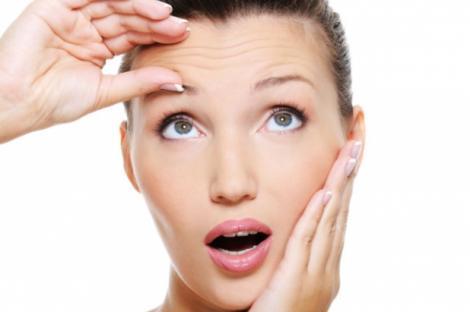 """Masca de față care """"șterge"""" ridurile în câteva minute. Cum să o prepari simplu, la tine acasă"""