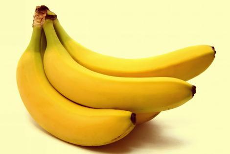 Mănânci banane la micul dejun? Cea mai mare greşeală, spun specialiştii