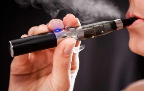 Un bărbat a luat foc din cauza unei țigări electronice!
