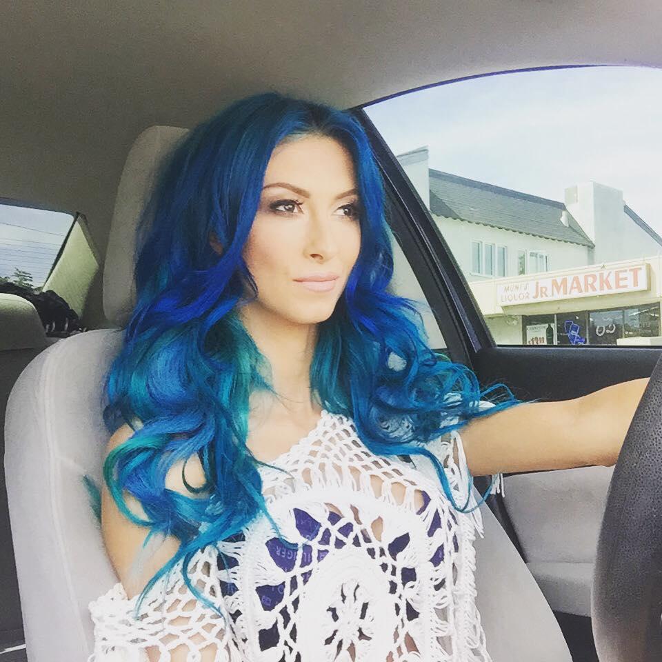 Foto! Andreea Bălan NU mai arată AŞA! Părul albastru e istorie. Ce schimbare de look a făcut cântăreaţa