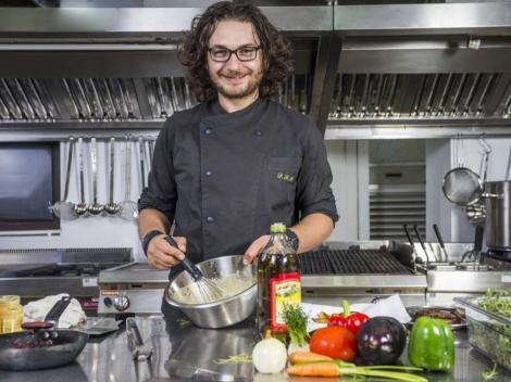"""Mesajul pe care Chef Florin Dumitrescu îl transmite """"adversarilor"""" săi de la """"Chefi la cuțite"""": """"Îmi cer scuze de pe acum pentru ..."""""""