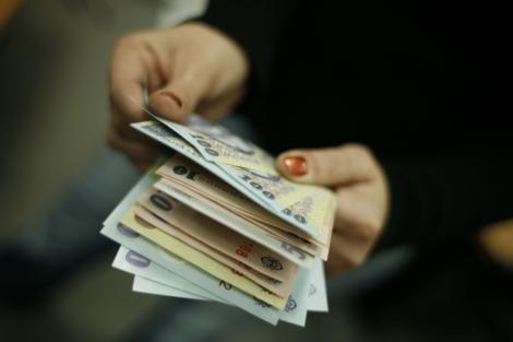 E oficial! Salariul MINIM pe economie creşte de la 1 mai