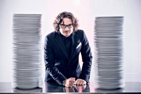 FOTO! Chef Florin Dumitrescu este un tătic de nota 10. Cum s-a pozat de dragul fetiţelor lui
