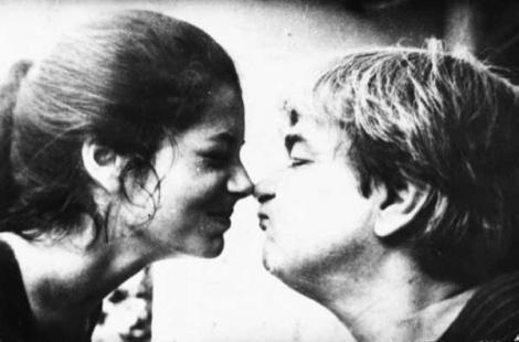 """Femeile lui Nichita Stănescu. """"Leoaică tânără, iubirea"""" i-a sărit în față de patru ori. Poetul era gelos și își ținea iubitele închise în casă"""