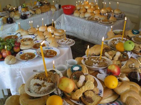Sărbătoare mare printre creştini! Tradiţiile de care TREBUIE să ţii cont  de Moşii de Iarnă