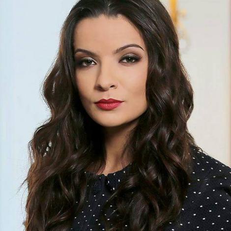 """""""În puii mei!"""" are o nouă prezentatoare! Actrița Anca Dinicu va face echipă cu Roby Roberto, Vișinescu sau Cristi Borcea"""