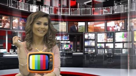 FOTO: Te uiţi la ştiri şi-n direct, şi-n reluare! O prezentatoare TV le-a luat ochii telespectatorilor cu un DECOLTEU generos