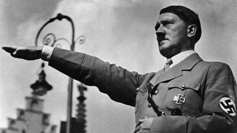 """AUTOCENZURĂ! Fotografiile cu Hitler pe care chiar el le-a interzis! Credea că îl înfăţişează într-o ipostază """"sub demnitatea umană"""""""
