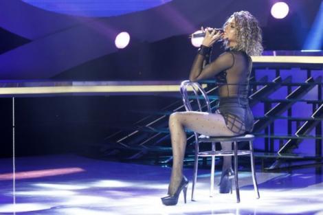 """Juriul de """"Te cunosc de undeva!"""" a rămas fără cuvinte. Raluka, sexy și rea în rolul frumoasei Beyonce!"""
