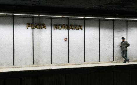 Incendiu la metrou, în stația Piața Romană. Un panou electric a luat foc: Două persoane au ajuns la spital