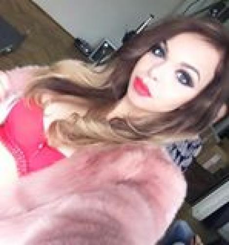 """Barbie de România, desfigurată după ce şi-a făcut """"năsuc de Marilyn Monroe"""""""