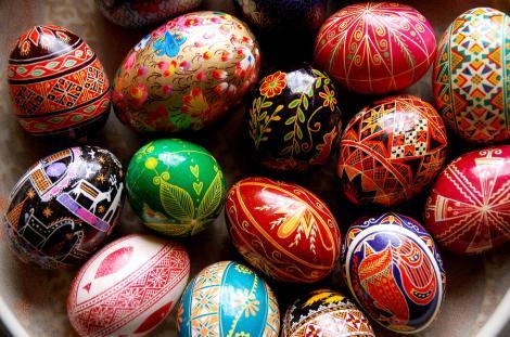 Campion garantat! Ce truc te ajută să câștigi la ciocnitul ouălor de Paște