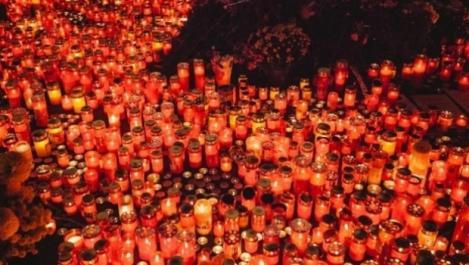 Șase luni de la tragedie! Parastas în fața clubului Colectiv, pentru pomenirea celor 64 de victime ale incendiului