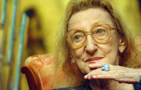 """""""Avea nasul ca un tăiș de  topor, nu era frumoasă!"""", spun gurile rele. Poeta Nina Cassian a schimbat bărbații ca pe șosete. Marin Preda i-a fost amant"""