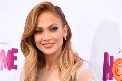 Ce tare! Jennifer Lopez le-a deschis ochii celor de la GOOGLE! Datorită ei avem, astăzi, motorul de căutare pentru imagni