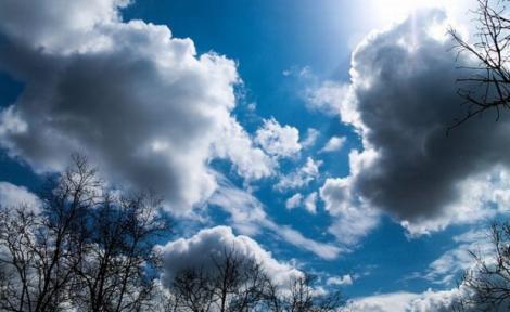 Vremea se schimbă în zilele următoare. Prognoza meteo pentru marţi şi miercuri.