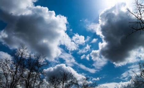 E aproape vară, dar vremea vine cu surprize! Lăsăm astăzi umbrele acasă?