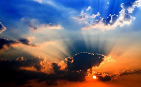 Printre nori şi ploi se arată şi soarele! Prognoza meteo pentru următoarele zile