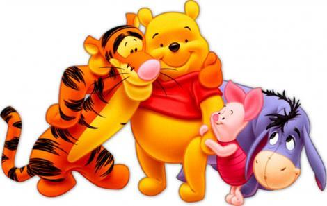 Frumoasa lume Disney! Cel mai simpatic ursuleţ din lume împlineşte 90 de ani! Winnie-The-Pooh îşi serbează ziua alături de regină Elisabeta a II-a