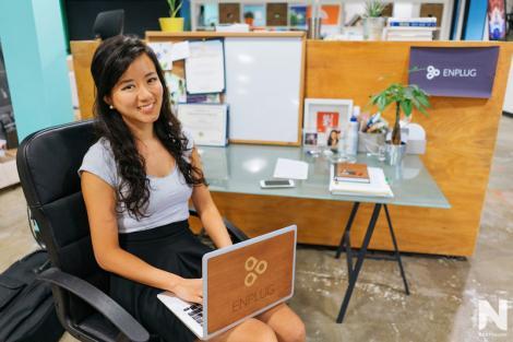 Ce a fost şi ce a ajuns! O tânără din China a fondat două companii prospere până la 24 de ani, deşi a copilărit în condiţii mizere, fără curent electric