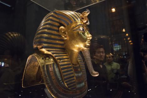 Tutankhamon a avut un pumnal de origini extraterestre! Cum a ajuns faraonul egiptean să aibă un astfel de obiect!