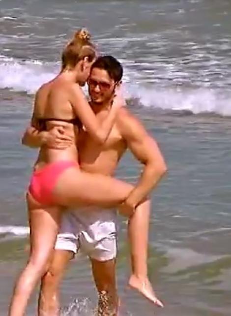"""Lore s-a distrat cu ispita la plajă și s-a lăsat cu show sexy! Fără să se gândească, Hamude s-a aruncat de la 60 de metri! """"Pentru tine fac asta, femeie"""""""