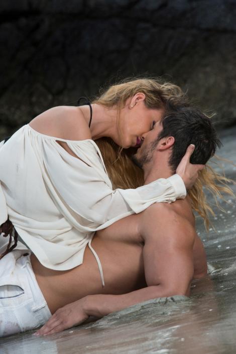"""Sărutul acceptat de Loredana la """"Temptation Island – Insula iubirii"""" îl aruncă pe Hamude în brațele disperării"""