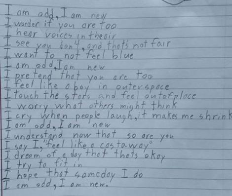 Suferă de autism, însă a emoţionat o lume întreagă cu poezia lui! Versurile unui băiat în vârstă de 10 ani te lasă fără cuvinte