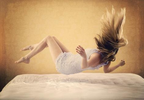 Ce înseamnă când visezi că a murit cineva? Semnificația aceasta te va pune pe gânduri!