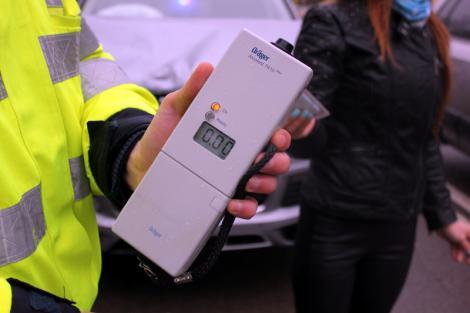Șoferii băuți vor scoate bani grei din buzunare! Pe lângă amenda tradiționala, vor fi nevoiți să achite și costul testului medical