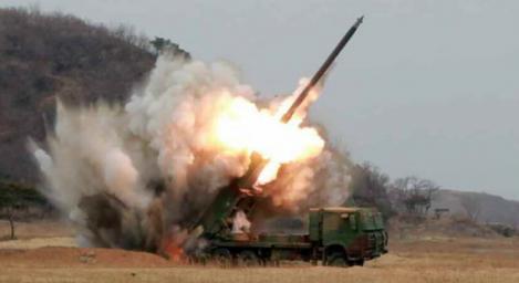 Coreea de Nord a lansat trei rachete balistice, care s-au prăbuşit în largul coastelor sale estice