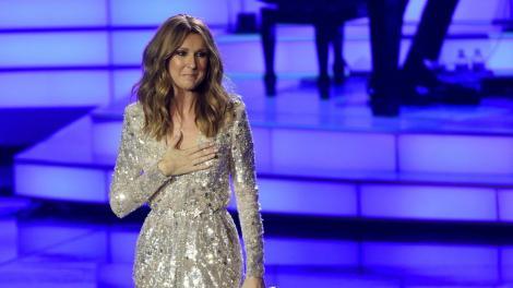"""Un tânăr de 17 ani a șocat internauții cu interpretarea piesei """"The Power of Love"""", în varianta Celine Dion. Ai putea să juri că o asculți pe artistă! Asemănarea este izbitoare"""