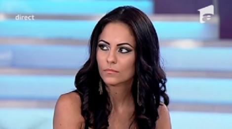 """Liliana de la """"Mireasă pentru fiul meu"""", periculos de sexy la TV! Cameramanul a surprins tot ce ascunde sub rochiţă"""