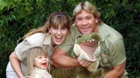 Cum arată astăzi fetița lui Steve Irwin, regretatul vânător de crocodili? Fanilor nu le-a venit să creadă ce frumoasă s-a făcut!