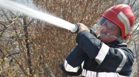Incendiu la groapa Glina! Au intervenit opt autospeciale pentru a stinge focul