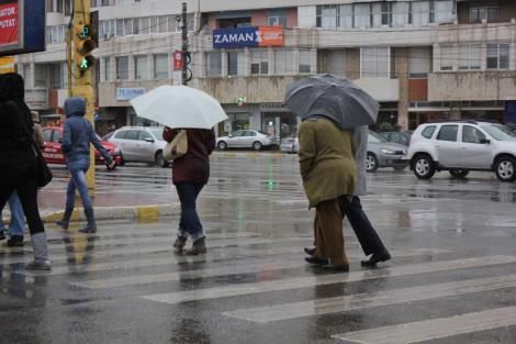 După zile de caniculă, vin ploile! Meteorologii au făcut anunțul!