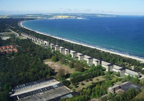 Hotelul acesta are 10.000 de camere, dar n-a fost niciodată locuit! Bijuteria stă singură pe o insulă, din cauza unui motiv simplu!