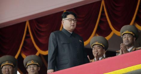 Liderul corean, Kim Jong-Un, a executat public doi oficiali cu un tun antiaerian