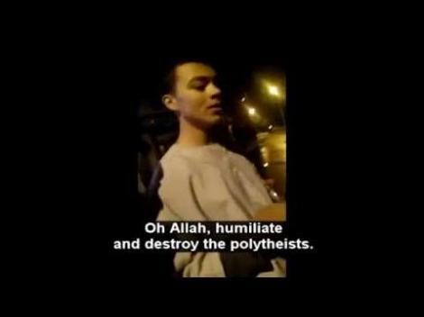 Imagini incredibile! Un bărbat cheamă la asasinarea creștinilor, într-o înregistrare video postată pe internet