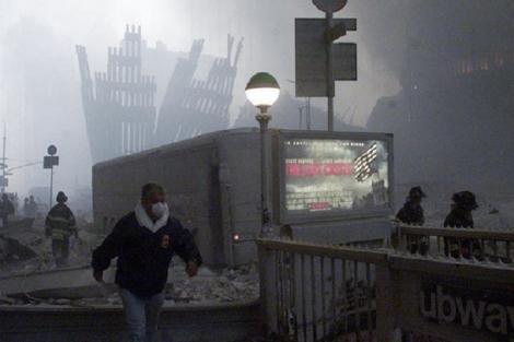 """""""Ceea ce păreau mingi de foc erau, de fapt, oamenii!""""15 ani de la cele mai sângeroase atacuri teroriste din SUA. Filmul evenimentelor din 11 septembrie 2001"""