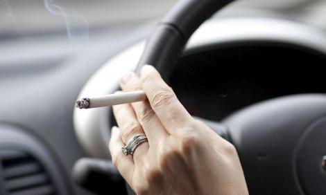 Fumatul în maşina personală ar putea fi interzis! Nici țigările electronice nu fac excepție