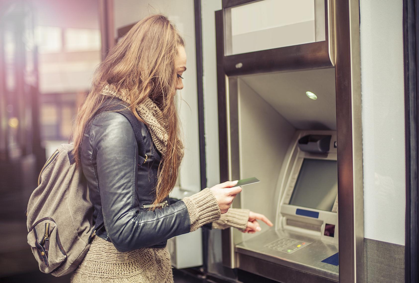 Primiți bani din străinătate?