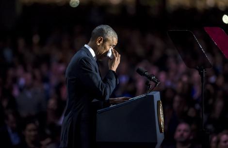 """VIDEO! Cel mai puternic om al Planetei a plâns la ultimul său discurs ca președinte al SUA. Obama: """"Nu cedați în fața fricii!"""""""